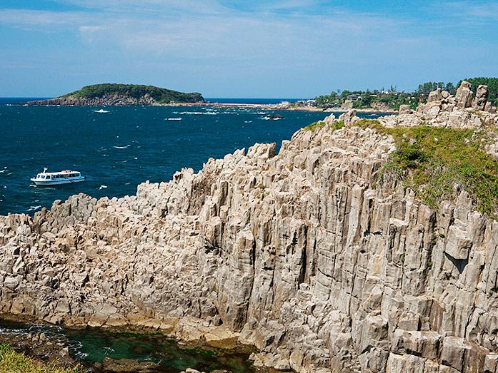 Tojinbo Cliffs Travel Tips - Japan Travel Guide ...